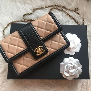 Chanel WOC like new condition,Lambskin leather